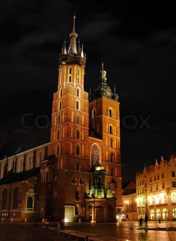 marienkirche in der nacht krakau polen stockfoto colourbox. Black Bedroom Furniture Sets. Home Design Ideas