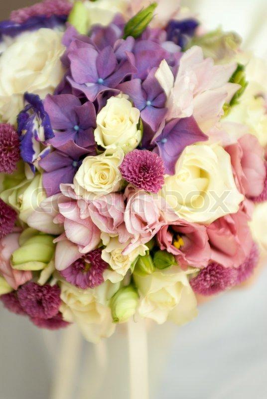 hochzeit bouquet von wildblumen mit kleinen sch rfentiefe stockfoto colourbox. Black Bedroom Furniture Sets. Home Design Ideas
