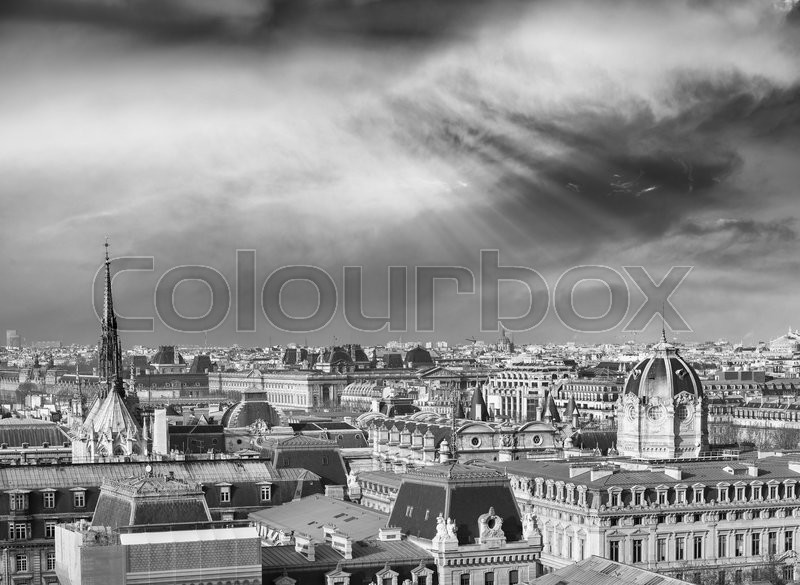 Stock image of 'Sunset over Paris. City landscape.'