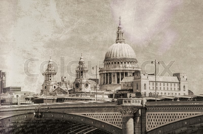 Stock image of 'Vintage view of St Paul Cathedral, London.'