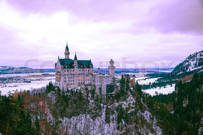 Stock image of 'Neuschwanstein castle in Bavaria, Germany at winter time'