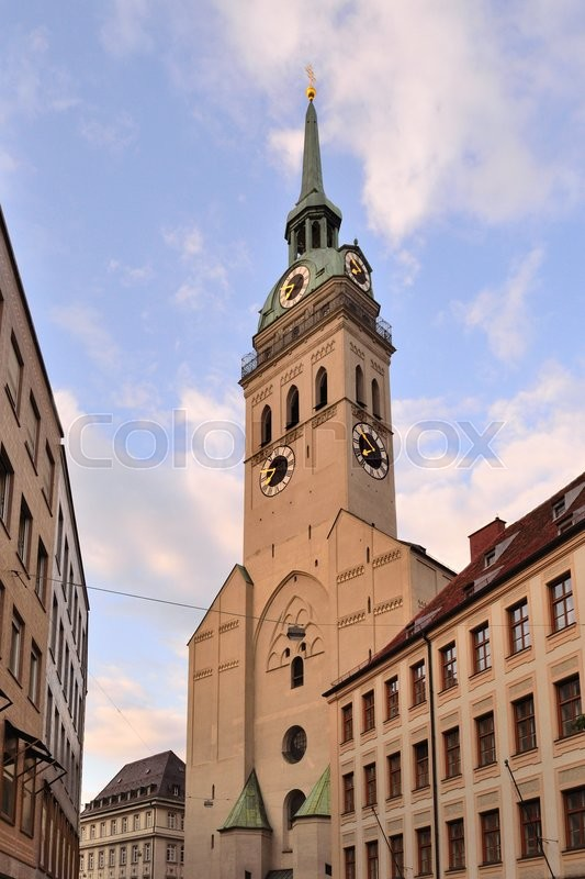 Stock image of 'Munich, Germany. Church of St. Peter in the sunny summer evening'