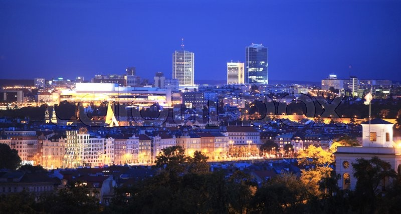 Stock image of 'Panoramic view of Prague at night, Czech Republic'