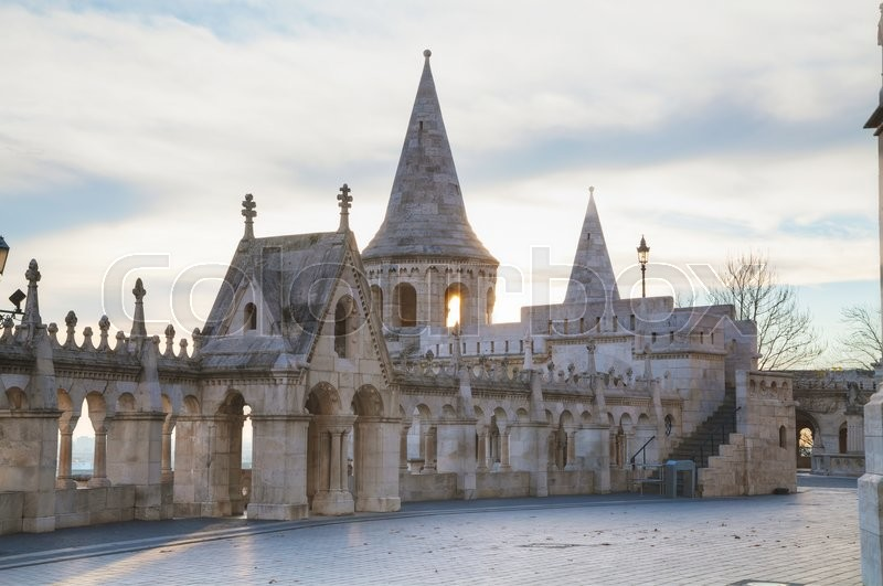 Stock image of 'Fisherman bastion in Budapest, Hungary at sunrise'