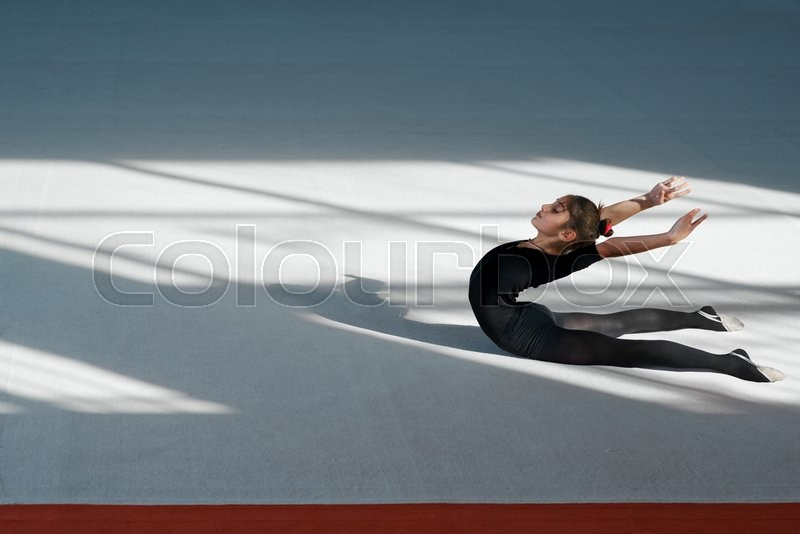 Stock image of 'Girl doing backfold  rhythmic gymnastics'