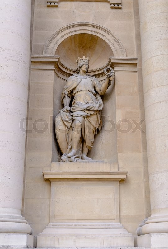 Stock image of 'Sculptures on the facade the Hotel Les Invalides. Paris , France'