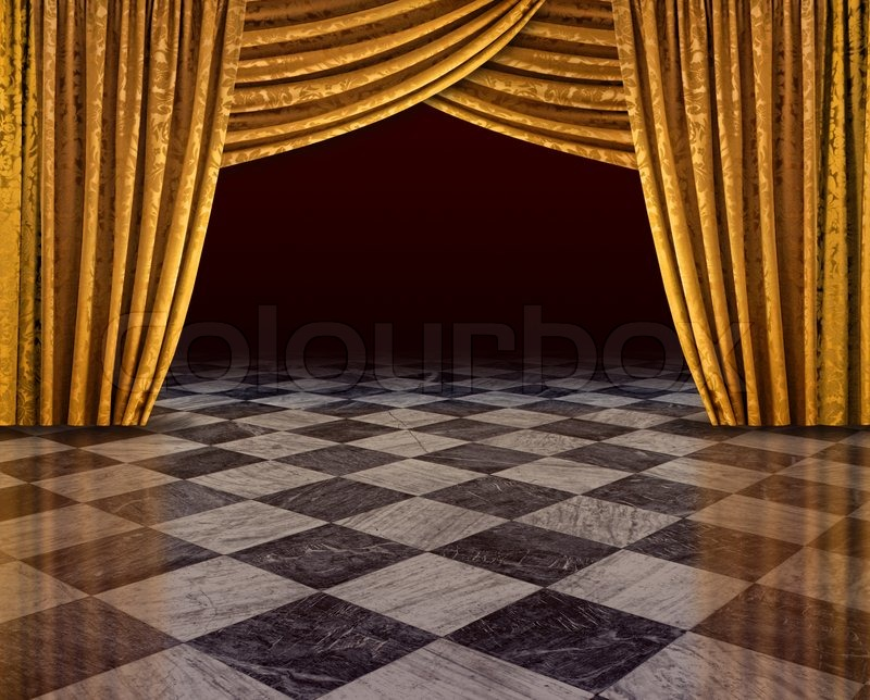 golden vorh nge offene b hne reflektiert vom karierten marmorboden stockfoto colourbox. Black Bedroom Furniture Sets. Home Design Ideas