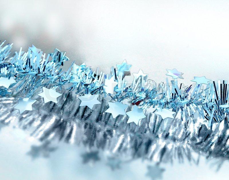 Weihnachten blauen Sternen auf Silber reflektierenden Hintergrund ...