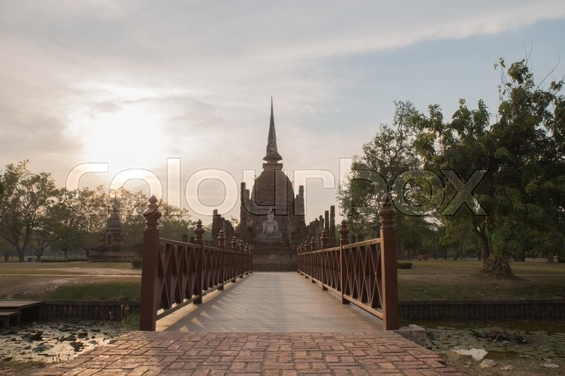 Old temple in Sukhothai cold light, stock photo
