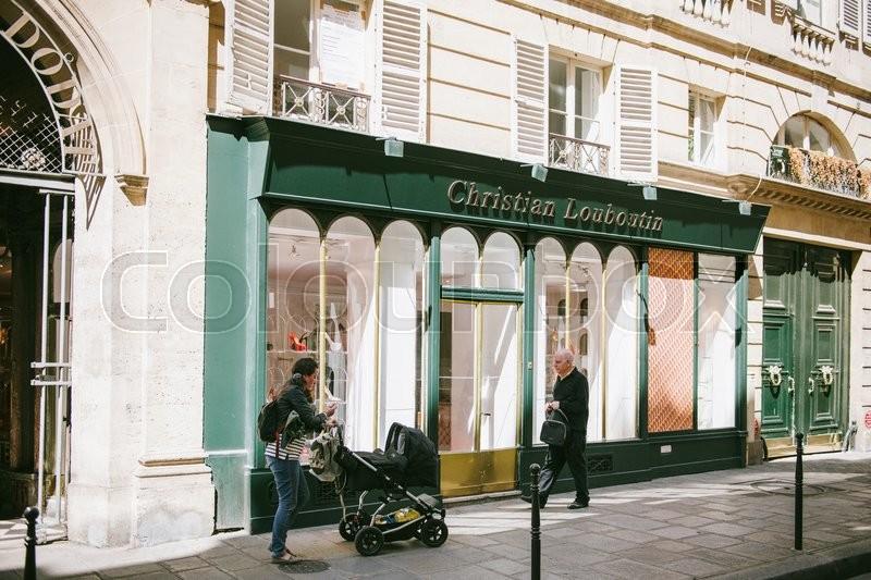 louboutin adresse boutique paris
