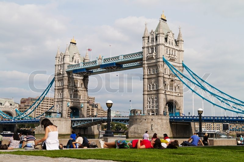 Stock image of 'The famous Tower Bridge in London, England.'