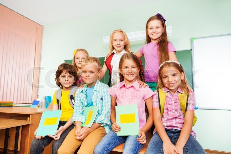 Holde Bord Skolekammerater Stock Foto Colourbox