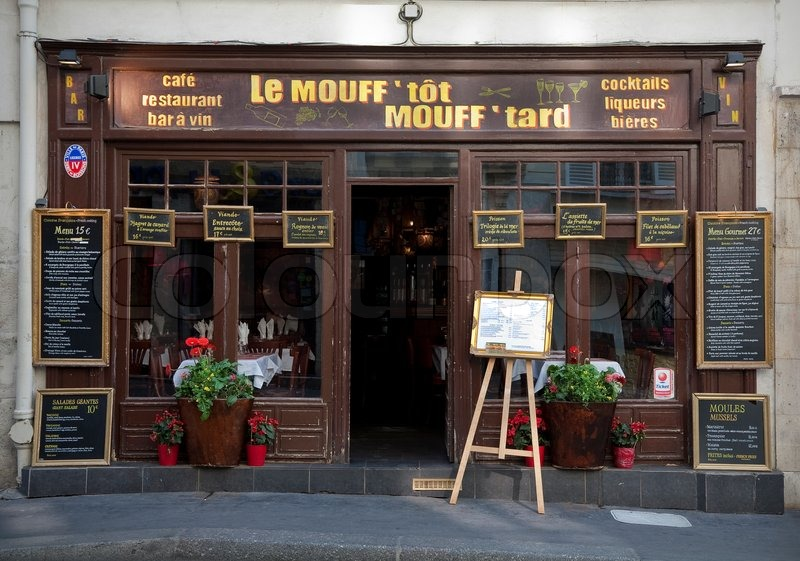 Facade of traditional French restaurant and cafe - Rue Mouffetard ...
