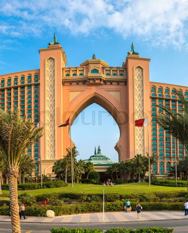 Dubai uae november 23 panorama of atlantis hotel on for Best hotels in dubai 2015