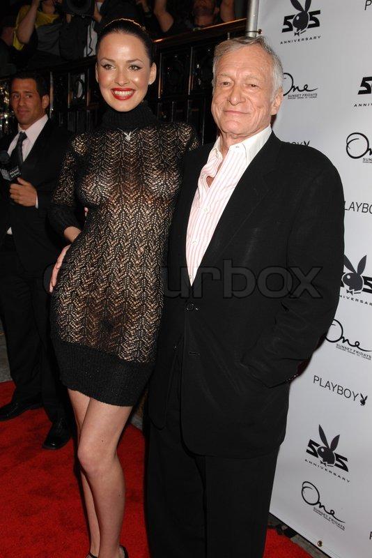 Hugh Hefner Og Dasha Astafieva Playmate Of The Year 2008 I Playboy Magazine 55 Anniversary Part Hostes Af Stock Foto