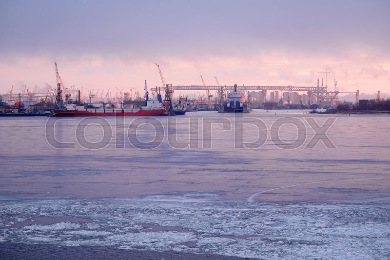 Stock image of 'Sankt-Peterburg harbour in a winter'