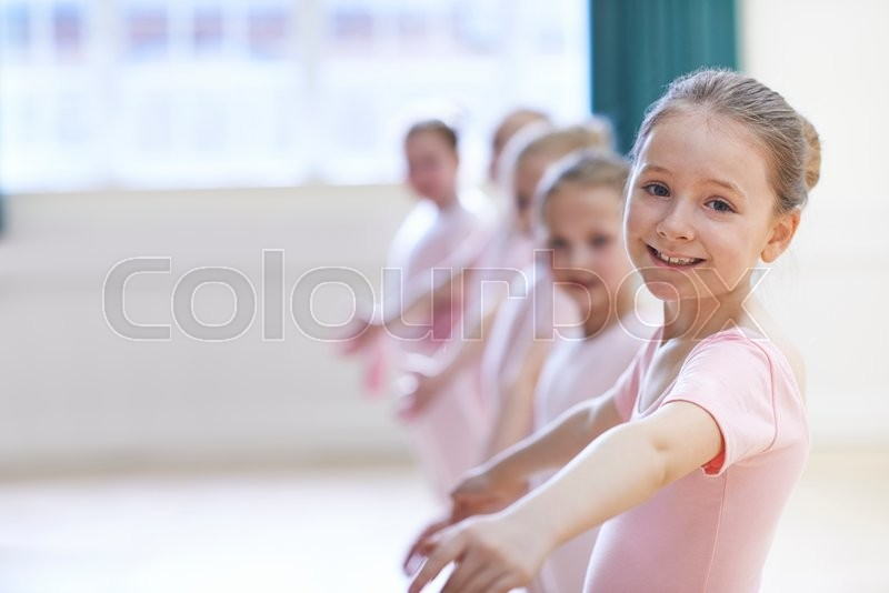 Stock image of 'Group Of Young Girls In Ballet Dancing Class'