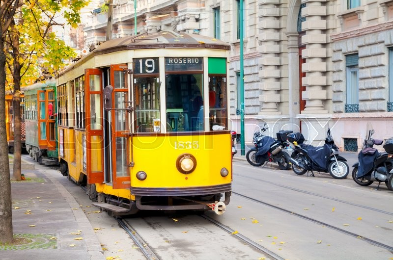 Stock image of 'MILAN, ITALY - NOVEMBER 25: Old tram at Piazza Castello on November 25, 2015 in Milan, Italy.'