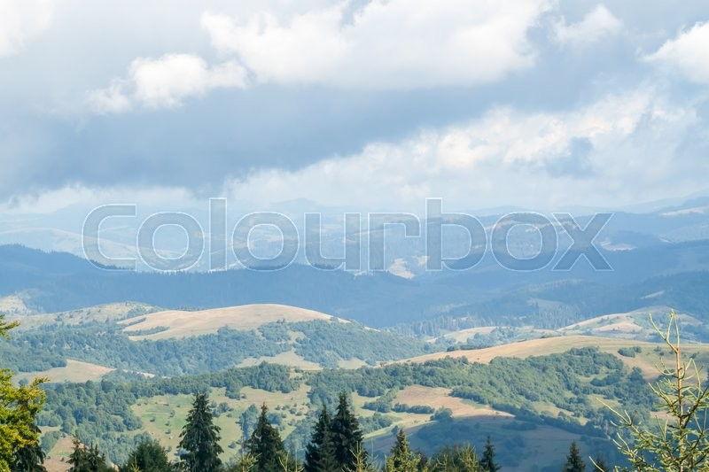 Stock image of 'very cloudy mountain landscape in the Ukrainian Carpathians'