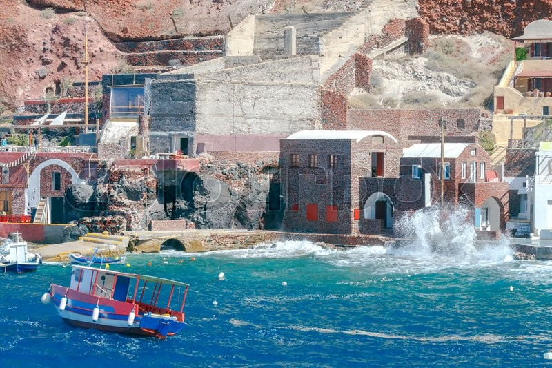 Stock image of 'Old Port Amoudi which is located near the village  Oia on the island Santarin.'