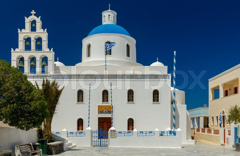 Stock image of 'Main white blue orthodox church of Panagia Platsani, in the village of Oia. Santorini.'