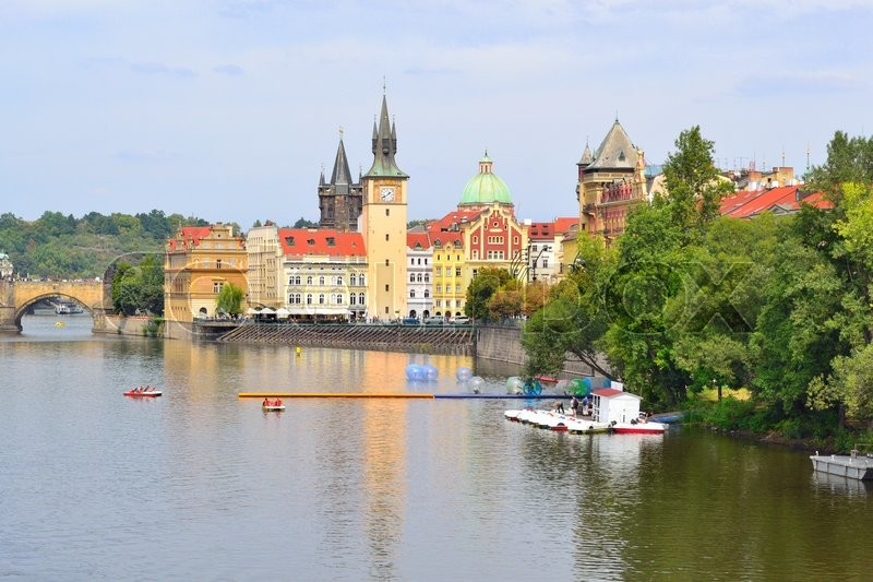 Stock image of ' Czech Republic. Prague Old Town and the Vltava river in a cloudy summer day'