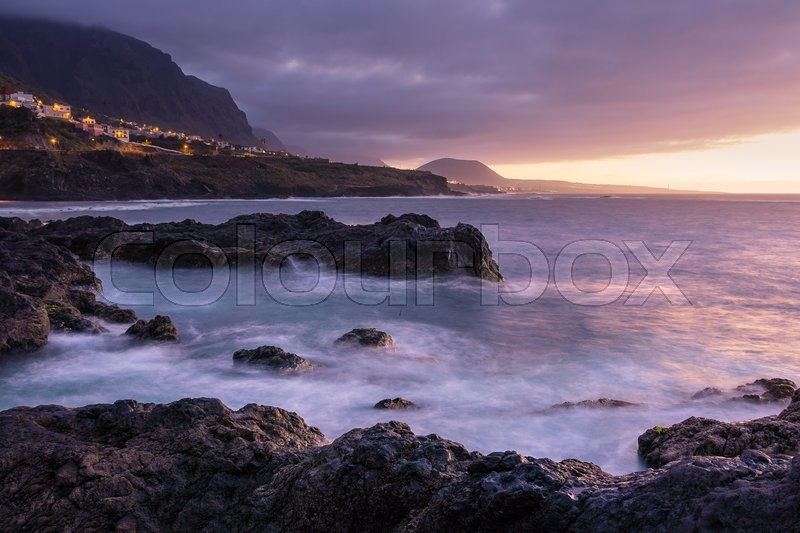 Stock image of 'On shore of the Atlantic Ocean on the island Tenerife.'