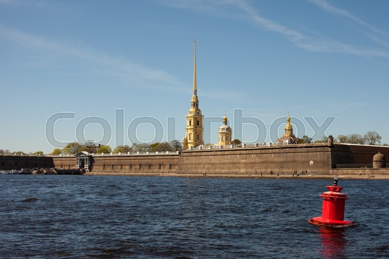 Stock image of 'Peter and Paul Cathedral, view from the Neva river, Saint Petersburg, Russia'