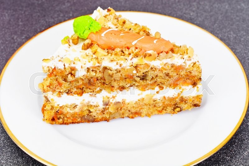 Stock image of 'Baking Carrot Cake with Walnuts Studio Photo'