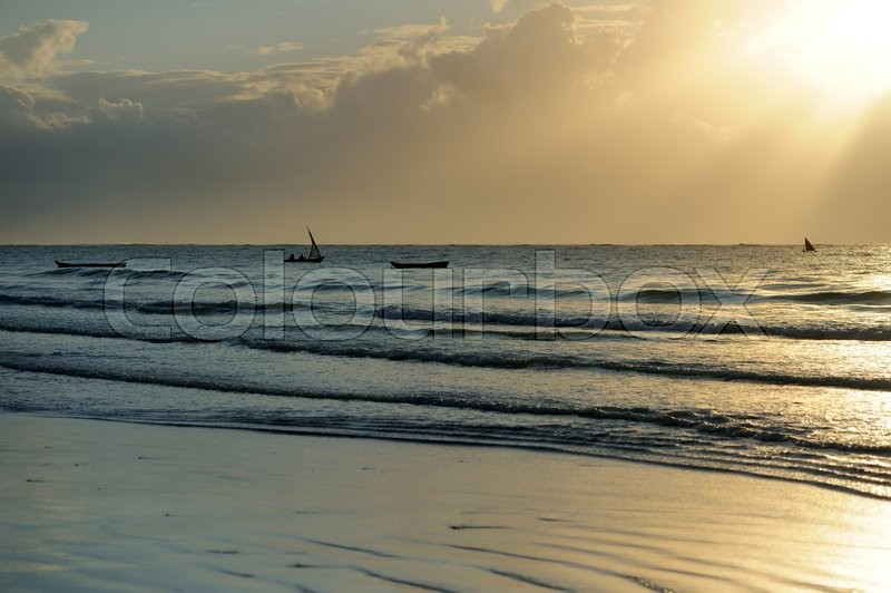 Stock image of 'Beautiful tropical sunset in Indian ocean'