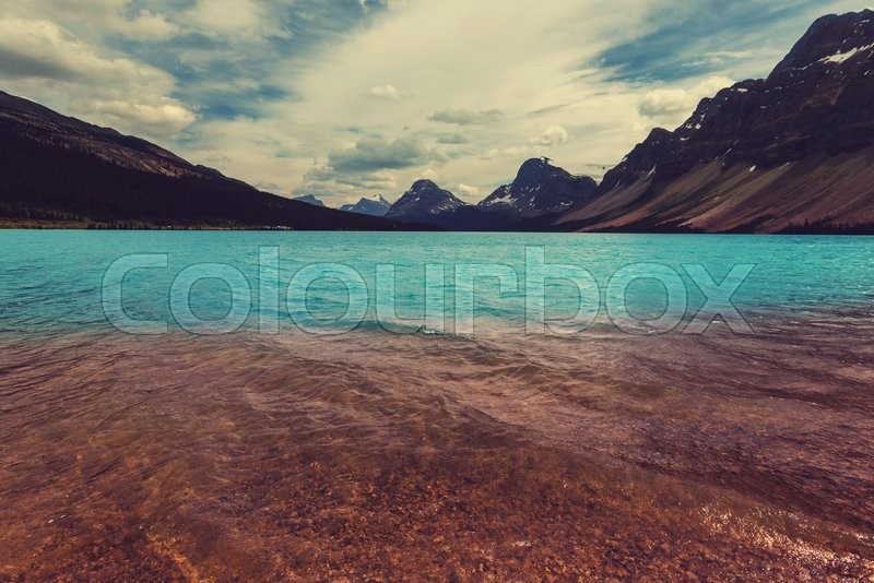 Stock image of 'Bow Lake, Icefields Parkway, Banff National Park, Canada'