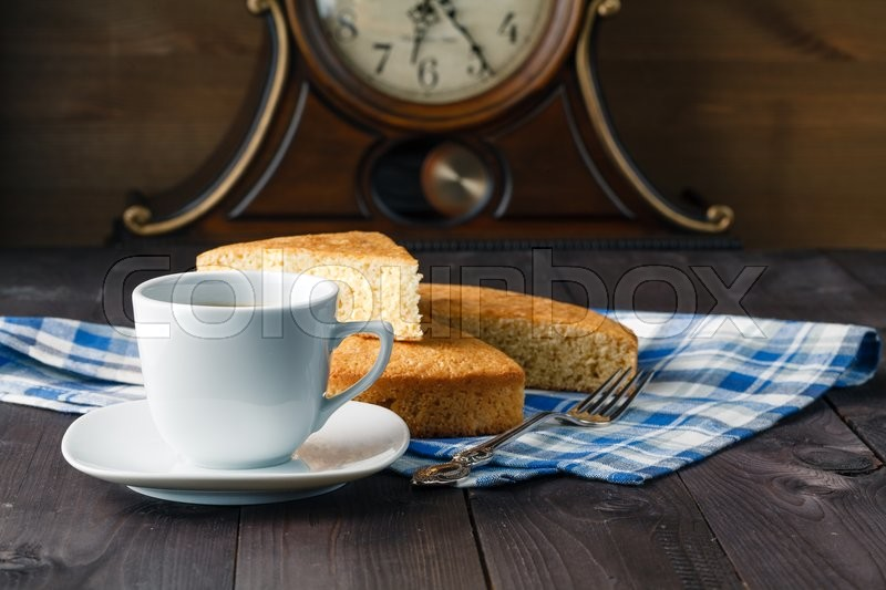 Stock image of 'Home evening coffee. manna pie and black coffee.'