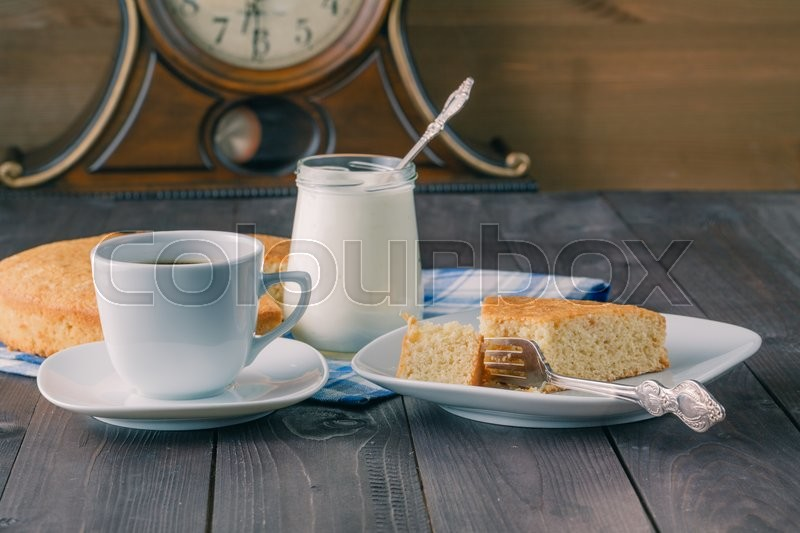 Stock image of 'Healthy natural organic breakfast with yoghurt and manna pie'