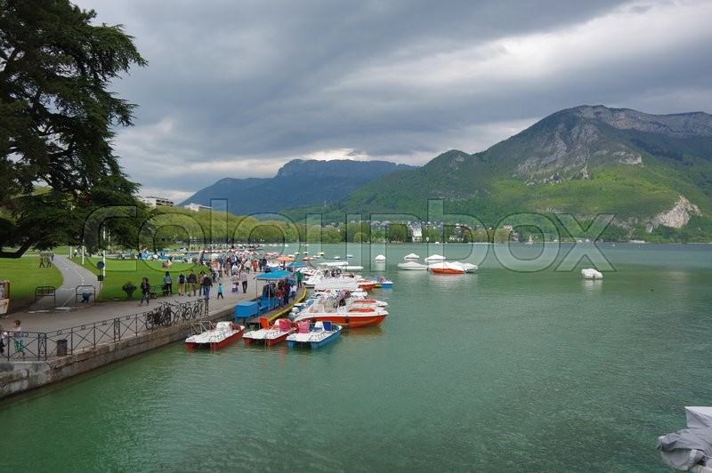 Stock image of 'ANNECY, FRANCE - 29 APRIL, 2015: View on the lake of Annecy, capital of Haute Savoie province in France. Annecy is known to be called the French Venice'