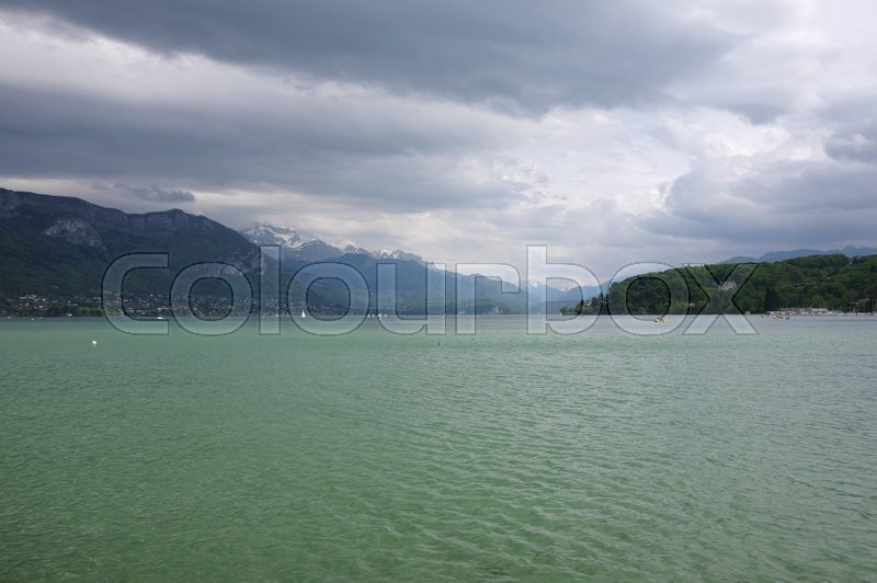 Stock image of 'View of the lake of Annecy, capital of Haute Savoie province in France'