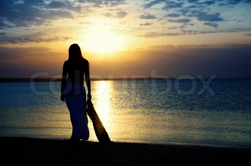 sunset beach divorced singles Freeart provides free 8x10 inch prints single or divorced woman alone missing a boyfriend while swinging on the beach at sunset free art print of single or divorced woman alone missing a.