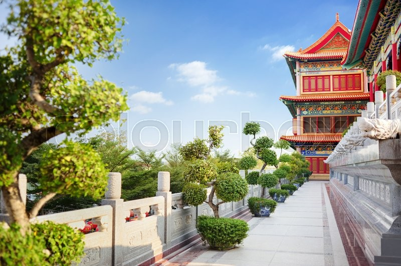 Stock image of 'chinese temple with blue sky '