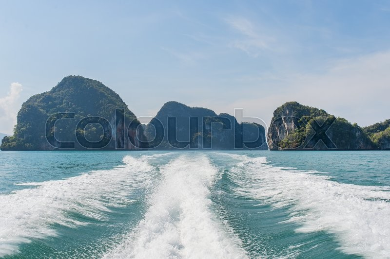 Stock image of 'Hong island see on the boat,krabi,thailand.'