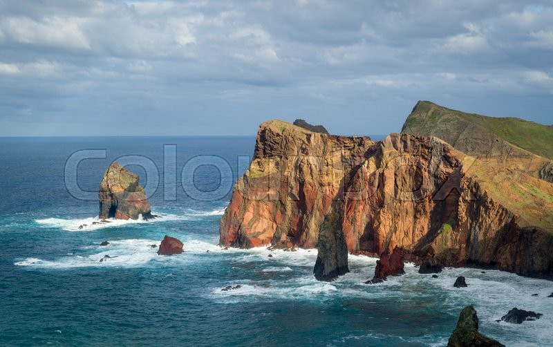 Stock image of 'Madeira island landscape, close view to the cliffs from popular viewpoint in the east tail of the island. Madeira, Portugal.'