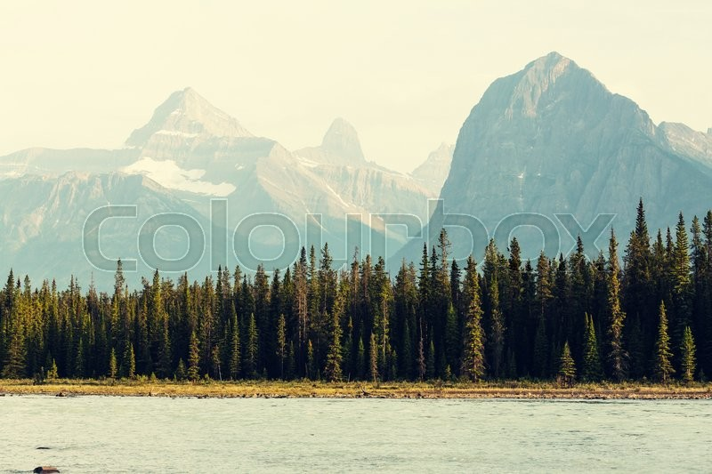 Stock image of 'Canadian mountains'