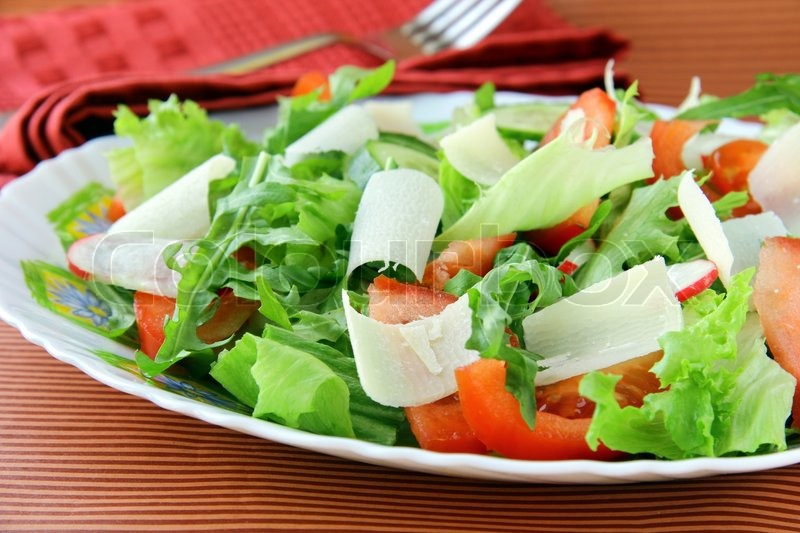 Watch Crunchy Green Salad with Croutons Recipe video