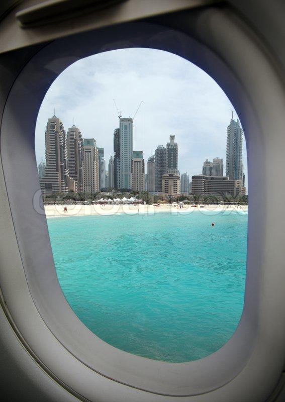Blick Aus Dem Flugzeug Fenster An Einer Stockfoto Colourbox