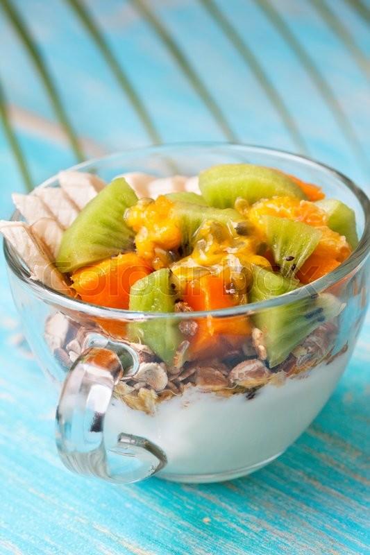 is yogurt and fruit a healthy breakfast blue fruits