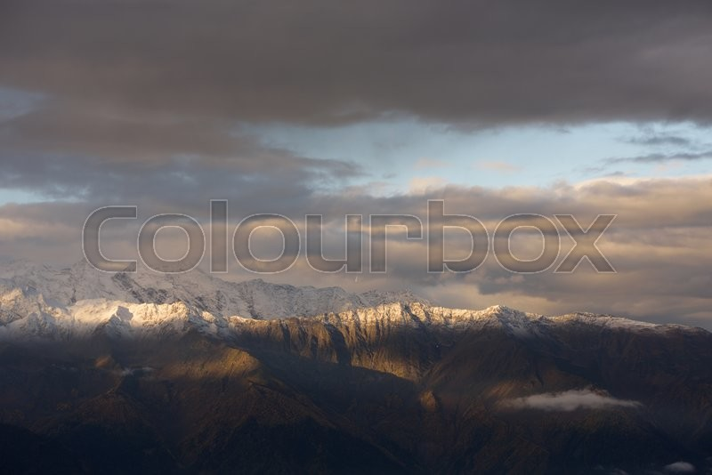 Stock image of 'Morning landscape with a mountain range in the snow. Caucasus, Georgia, Zemo Svaneti'