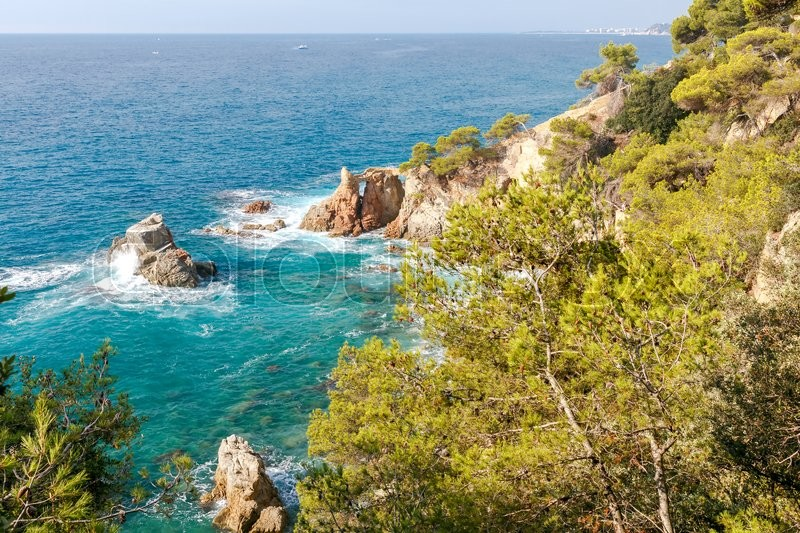 Stock image of 'View of the rocky coast of the Costa Brava near Tossa de Mar resort.'