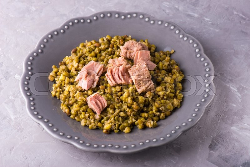 Stock image of 'Homemade stewed mung beans with canned tuna'