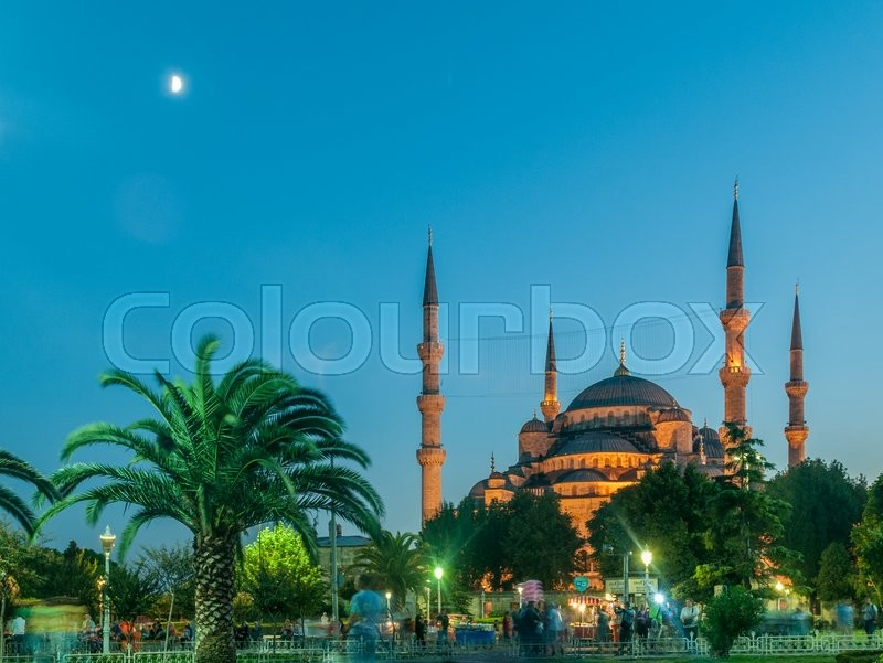 Stock image of 'Famous mosque in turkish city of Istanbul'