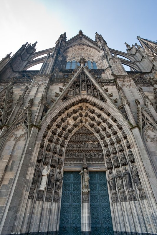 Stock image of 'Door of cathedral in Cologne in Germany'