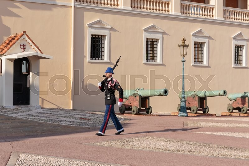 Stock image of 'MONTE CARLO, MONACO - NOVEMBER 2, 2014:  Guard of honor at residence of Prince of Monaco.'