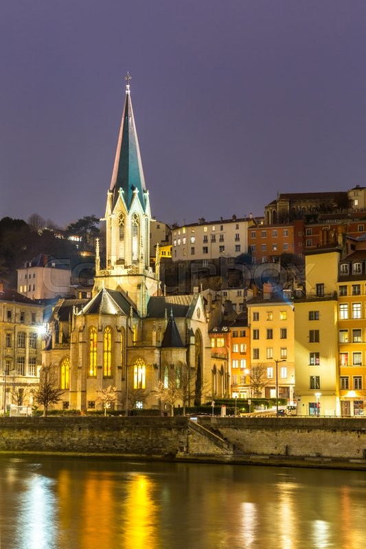 Stock image of 'Lyon Night St Georges church, France'